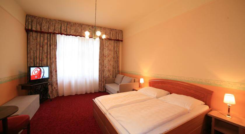 Hotel Kavalerie (Отель Кавалерие) Карловы Вары