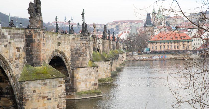 Прага заслуживает больше внимания среди туристов Чехии?