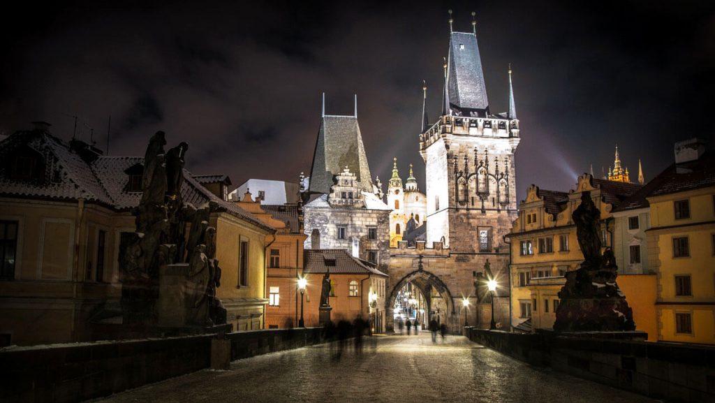 Достопримечательность Праги - Карлов мост